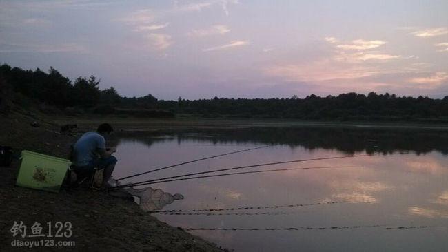 不过因为这个水库比较偏远,钓鱼人知道的不多