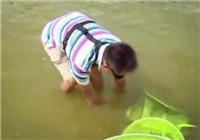 《爸爸去釣魚》第14集 釣魚大師親子摸魚歡樂多