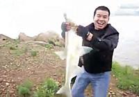 《钓友原创钓鱼视频》 自然水域路亚9.6斤翘嘴鱼