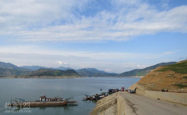 白龙湖钓鱼