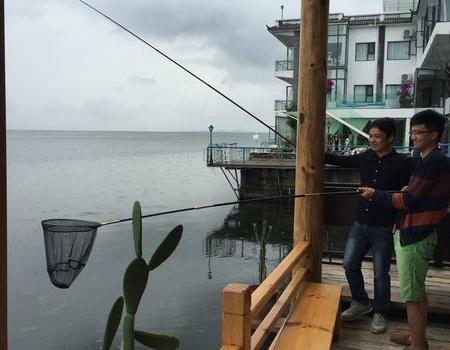 补发端午节在大理洱海边,临海客栈内垂钓风花雪月 化氏饵料钓草鱼