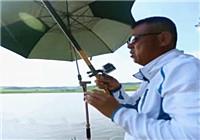 《水库钓鱼视频》钓鱼大师看漂抓口遛鱼视频合辑(2)
