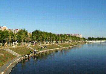 西乌旗人工湖