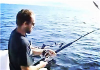 《海钓视频》 外国钓友深海船钓擒大鱼