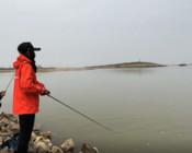 《麗娜的釣魚日記》在亂石間作釣,糧食要備足,希望總在下一桿!