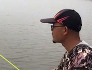 《户外老曹》钓鱼实战:铅坠拉高半米,吃饵的鱼就明显多了,什么原因?
