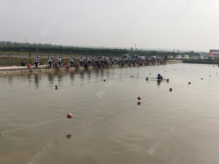 绛县江枫渔火垂钓园