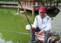 《渔课堂》钓鱼时钓着钓着浮漂目数会增加怎么回事?