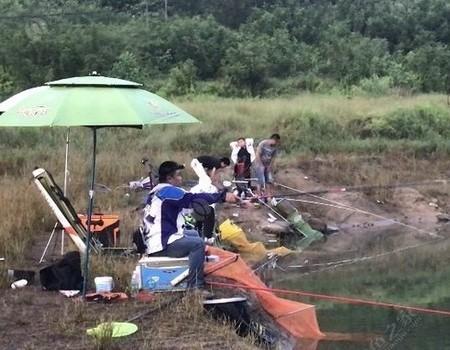 揭西水庫夜釣,與釣友通宵大戰鯪魚的經歷