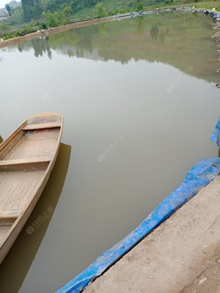 小湾周家鱼塘
