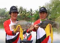 《双宝环球行》第九期 陌生的泰国水域快钓罗非 宏图钓竿轻松无压力