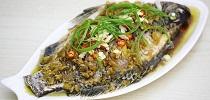朋友送的野生罗非,剁椒鱼头搞法,味道真平台