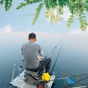 江云带日秋偏热,桂花鱼鲈鱼来贺。