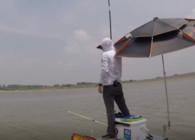 《白条游钓》白条游钓东山水库下集,坚守两天,终于黑漂中获草鱼