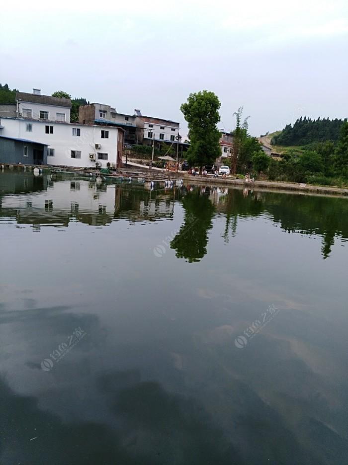 桥头堡渔庄