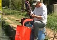 《张雪平钓鱼视频》第13集 硬钓竿的操作使用技巧