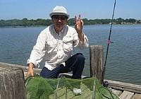 美國白岩湖玩台釣大魚頻上鉤