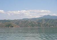 夏季在故县水库钓鱼收获大鲤鱼