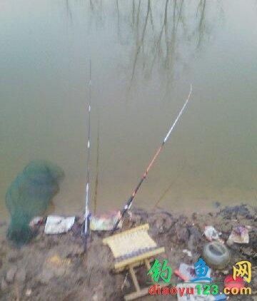 冬季串钩钓鲫鱼