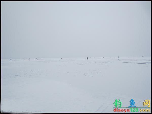 北方冰钓场景