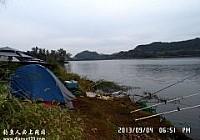 雨中垂钓鲁班水库收获鲤鱼翘嘴七十余斤