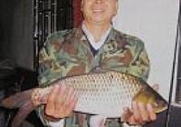 白竹镜水库钓获单尾5斤多重大鲫鱼