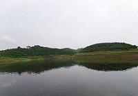 雨中垂钓长寿湖钓获稀有鱼种